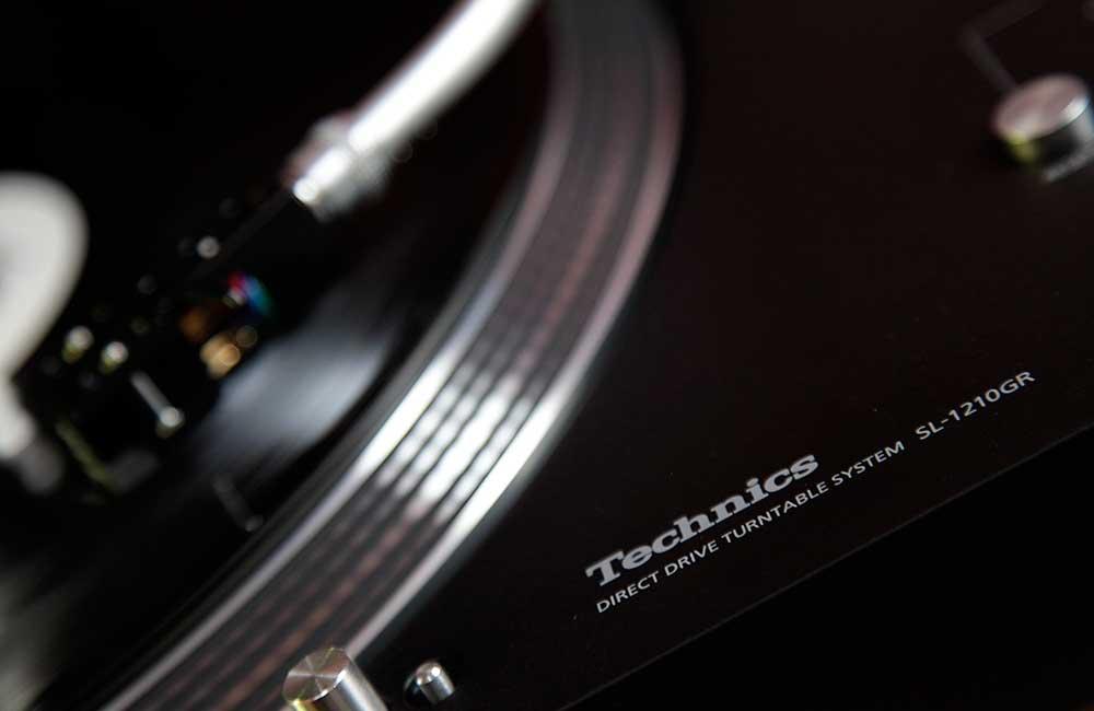 Technics-1200GR-1000px-3