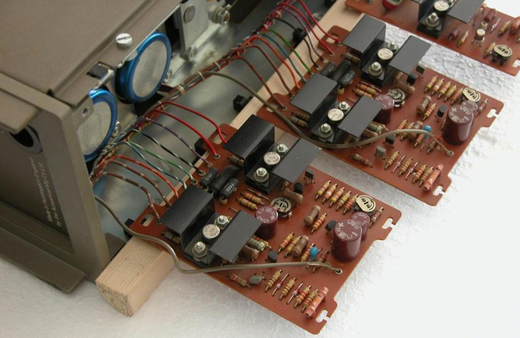 QUAD-303-2000px-3